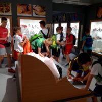 lekcja geologiczna w Muzeum minerałów i skamieniałości w Świętej Katarzynie