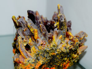 Pigmenty naturalne. Aurypigment - żółty barwnik