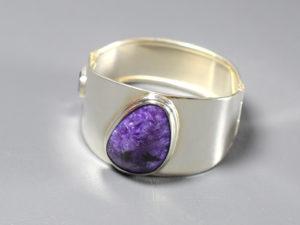 Biżuteria z czaroitem jest coraz bardziej ceniona