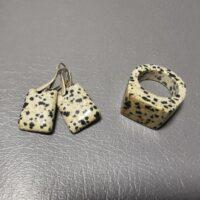 Kolczyki i pierścień z jaspisu dalmatyńskiego