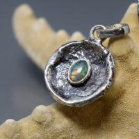 opal etiopski wisiorek srebrny