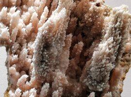chalcedon stalaktytowy