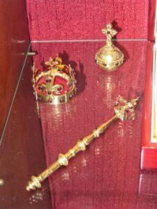insygnia koronacyjne granat bohemski