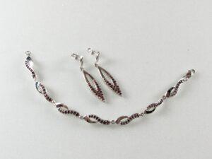 komplet biżuterii z granatem bohemskim - kolczyki i naszyjnik